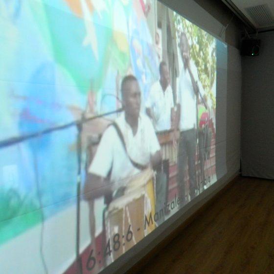 Fotografía de la Instalación Multicanal Telemática Membrana en el Festival de la Imagen 2015